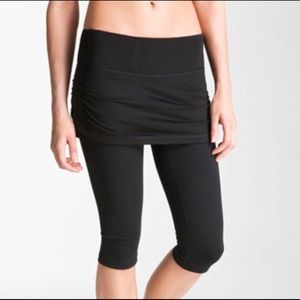 Zella Black Skirted Cropped Leggings Sizer Small